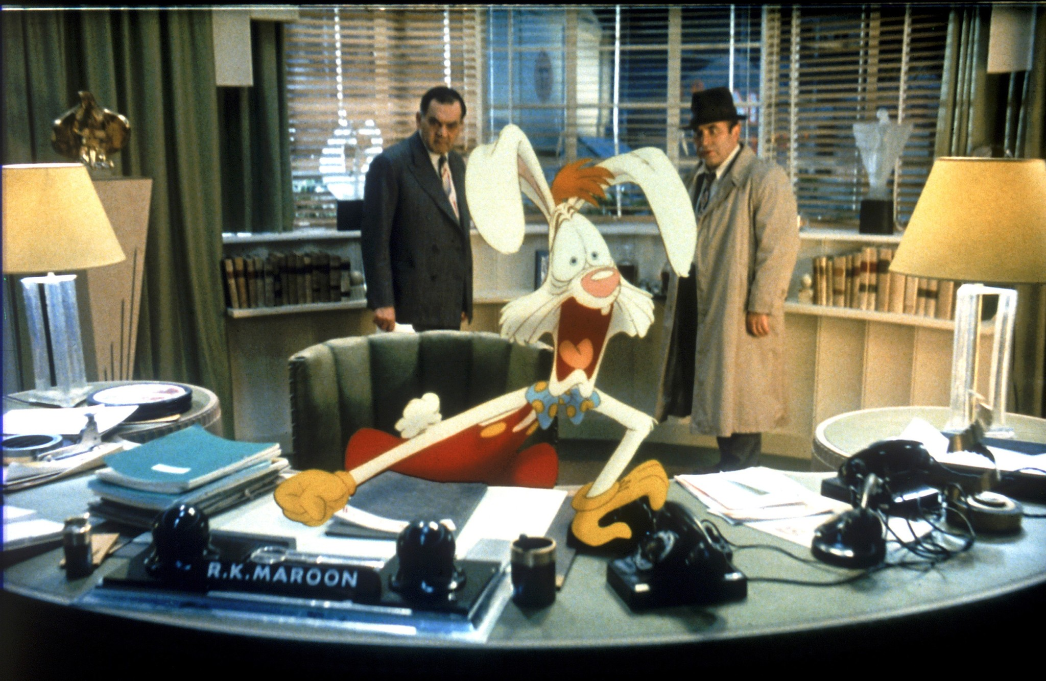 The Familiar Characters And Setting And Unfamiliar Character Team Ups Of Who Framed Roger Rabbit The Dissolve